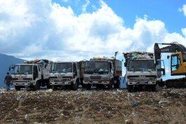 Wali Kota Singkawang serahkan bantuan kendaraan pengangkut sampah