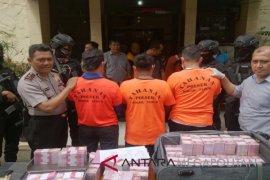 Uang palsu Rp6 miliar di Bogor pesanan dari Tangerang (Video)