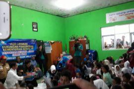 Presiden Jokowi ingin anak-anak korban gempa tetap semangat