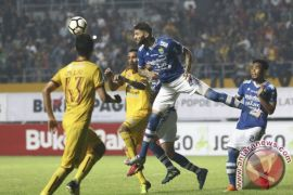 Pelatih Persib waspadai striker Mitra Kukar