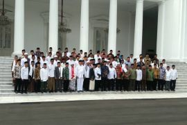 Jokowi bertemu ulama-ulama Jawa Barat, bahas umat sampai pesantren