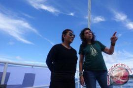 Menteri Susi ajak anak dan cucu kunjungi kapal Rainbow Warrior