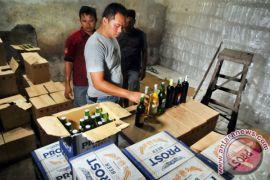Polres Gorontalo Kota musnahkan ribuan botol miras