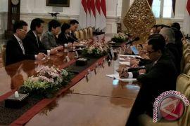 Beri perhatian khusus untuk TKI,  kata Presiden kepada Kepala Eksekutif Hong Kong