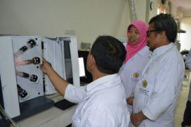 Balitbangtan standarkan keahlian para laboran