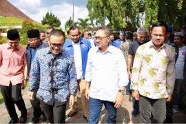Zulkifli Hasan Acungi Jempol Kemajuan Banyuwangi