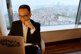 Anies telekonferensi dengan Wagub dan perangkat daerah dari Istanbul