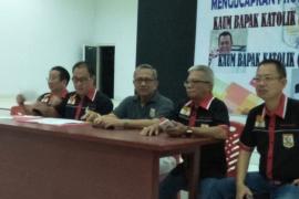 Ketua KBK Keuskupan Manado saat melantik pengurus KBK Palu Page 2 Small