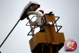 Kementerian ESDM Beri Penajam 200 Lampu Tenaga Surya