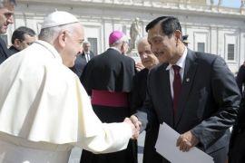 Luhut Panjaitan bertemu Paus Fransiskus di Vatikan
