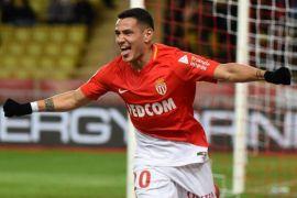 Monaco kembalikan uang fans setelah kekalahan di Paris