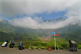 Jalur pendakian Gunung Rinjani longsor akibat Gempa Lombok
