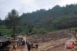 Sungai Cidamar di Cianjur meluap setinggi satu meter, ratusan KK dievakuasi