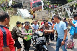 Menhub: mudik tak terganggu runtuhnya Jembatan Widang