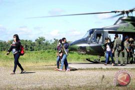 Lima guru belum dievakuasi dari Arwanop akibat cuaca
