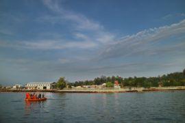 Pertamina angkat potongan pipa minyak yang patah di perairan Balikpapan