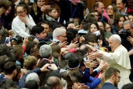 Petinggi Vatikan tuduh penentang Paus lakukan pencemaran nama baik