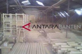 Industri Mebeuler Bambu Lebak Tembus Pasar Ekspor