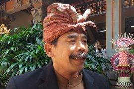 "PHDI Bali minta ""pemangku"" gembok pura"