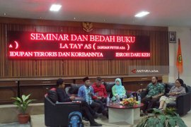 Kampanyekan Perdamaian, Mantan Teroris dan Keluarga korban Testimoni di Unej