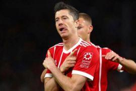 Muenchen ganyang Dortmund 6-0 meski perayaan juara tertunda