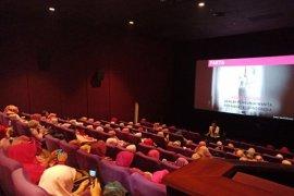 Agrianita edukasi kesehatan lewat nonton bareng film Pinky Promise