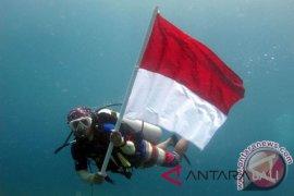 Bhayangkari Polda NTB latihan menyelam untuk di Manado