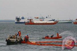 """Lima """"Giant Octopus"""" dikerahkan Pertamina sedot tumpahan minyak"""