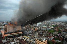 Proyek Hotel Tentrem terbakar