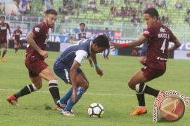 Arema FC gagal keluar dari zona degradasi