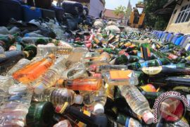 Polres Indramayu musnahkan ribuan botol miras