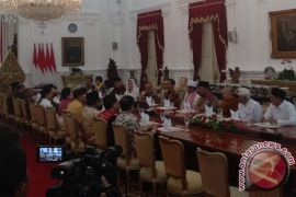 Presiden makan siang bersama para tokoh agama