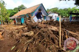 BPBD Jawa Timur bantu penanganan banjir bandang Banyuwangi