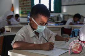 Khawatir kondisi Merapi, siswa bermalam di sekolah