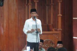 Presiden bagikan 240 sertifikat tanah wakaf