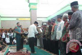 Jokowi menjawab pertanyaan Robi Darwis soal Indonesia Emas