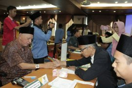 Gubernur segera terbitkan aturan bayar zakat melalui Baznas
