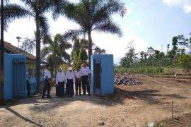 Pembangunan perumahan ganggu kegiatan sekolah di Garut