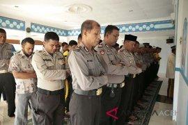 Polisi Aceh Utara shalat ghaib untuk korban Mako Brimob