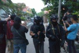 Dua tersangka teroris Cirebon jaringan JAD Tambun