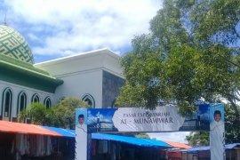 Warga keluhkan keberadaan PKL di masjid Al-Munawwar