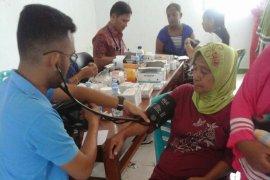 Warga Benjina dan Tabarfane dapat layanan kesehatan
