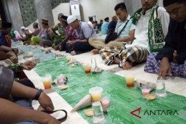 Plt Wali Kota Denpasar hadiri buka puasa