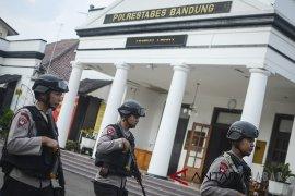Polisi buru berandalan bermotor di Bandung