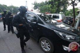Polisi tindak 13 tersangka teroris di Surabaya-Sidoarjo