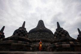 Menpora lepas kirab sarana pujabakti Waisak Borobudur