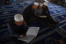 Muslim China tentang rencana penghancuran masjid