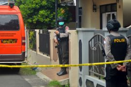Densus geledah rumah terduga teroris di Karanganyar