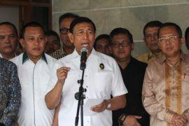 Menko Polhukam: Pelibatan TNI tidak perlu dikhawatirkan