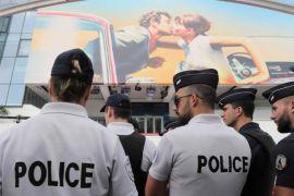 Polisi Prancis buru tersangka pemerkosa bergilir sesudah video beredar